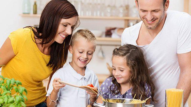 Οικογενειακή διατροφική θεραπεία